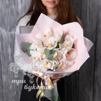 monobuket-iz-11-orhidej